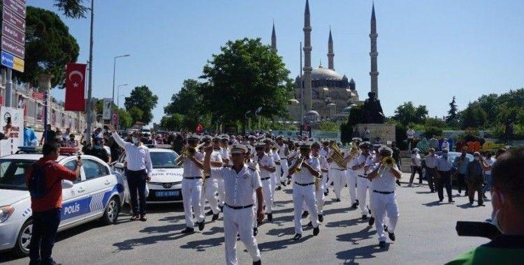 Kırkpınar Ağası Seyfettin Selim kent girişinde davul zurnayla karşılandı
