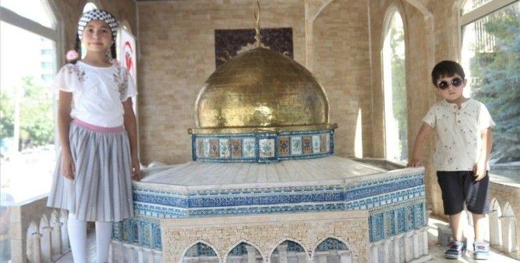 Minia Kudüs tırına yoğun ilgi