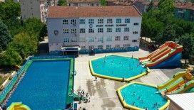 Tatil köyü değil, okul bahçesi