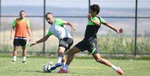 Bursaspor'un genç oyuncuları forma savaşı veriyor