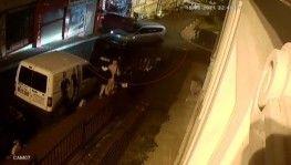 Fatih'te iki aracın çarpıştığı kaza kamerada