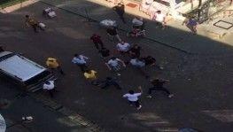 Avcılar'da iki grup birbirine kemerle saldırdı