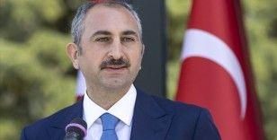 Bakan Gül: Vesayetle kalıcı mücadeleyi tamamlamanın zirvesi, yeni ve sivil bir anayasadır
