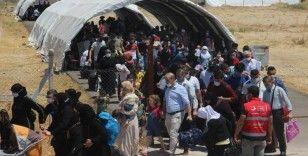 Suriyelilerin vatan hasreti sıcaklık dinlemiyor