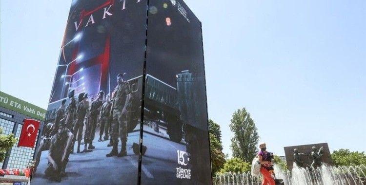 İstanbul ve Ankara'da kurulan led kulelerde, darbe girişimine karşı milletin mücadelesi anlatıldı
