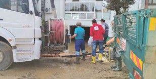 Kızılay Rize'de selden etkilenen vatandaşlar için teyakkuzda