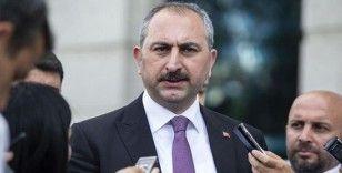 Bakan Gül: 'Tarih Türk yargısının darbecilere karşı vermiş olduğu onurlu mücadeleyi asla unutmayacaktır'