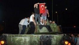Türk Milleti hainlere dur dedi