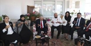 AK Parti Genel Başkanvekili Binali Yıldırım'dan 15 Temmuz gazisi çifte ziyaret