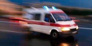 Çekmeköy'de tekeri patlayan otomobile çarpan araç şarampole yuvarlandı: 2 yaralı
