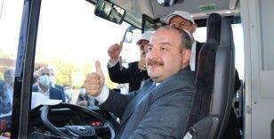 Yüzde 100 yerli ve elektrikli otobüsü Bakan Varank sürerek Samsun'a getirdi