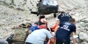 Ayı saldırması sonucu yaralanan turist askeri helikopterle hastaneye kaldırıldı