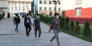 Niğde'de kaçan göçmenler KYK yurtlarına yerleştirildi