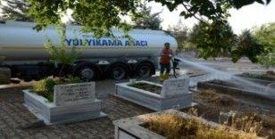 DBB Kurban Bayramı öncesi mezarlıkları temizledi