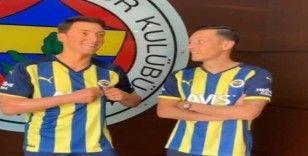 Mesut Özil'in balmumu heykeli Türkiye'ye geldi