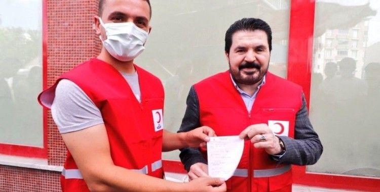 Başkan Sayan, kurbanını Kızılay'a bağışladı