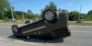 Samsun'da hafif ticari araç takla attı: 3 yaralı