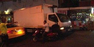 Maltepe'de freni boşalan kamyon araçlara çarptı: 2 yaralı