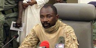 Mali'nin geçici Devlet Başkanı Goita bıçaklı saldırıdan yara almadan kurtuldu