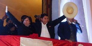 Peru'da devlet başkanlığı seçimini resmi olarak solcu Pedro Castillo'nun kazandığı duyuruldu