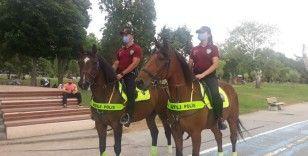 Atlı polislerden Florya sahilinde denetim yaptı