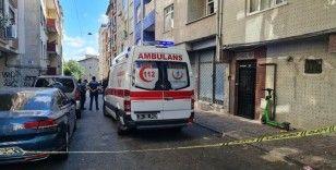 Esenler'de yangın çıkan evde kadın ölü, kocası ise bilekleri kesik halde bulundu