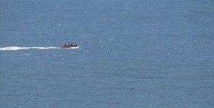 Girit Adası'nın güneydoğusunda Suriyeli mültecileri taşıyan tekne battı