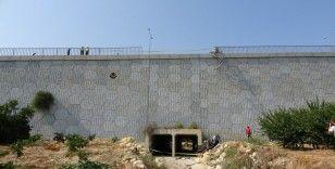 Mersin'de pikap köprüden uçtu: 2 ölü, 1 yaralı
