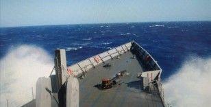 Doğu Akdeniz'de batan tekneden 37 kişi kurtarıldı