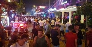 Alanya'da barlar sokağında maske zorunluluğu