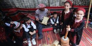 Gazze'de 'Kültürel mirasımız kimliğimizdir' sloganıyla düzenlenen fuar renkli görüntülere sahne oldu