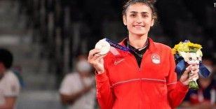 Bursa Büyükşehir'li Hatice Kübra olimpiyatlarda tarih yazdı