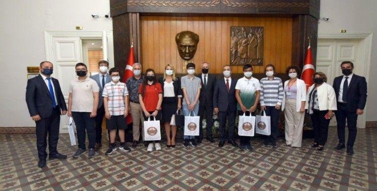 Manisa'da LGS şampiyonları ödüllendirildi