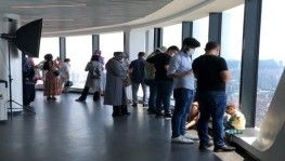 Çamlıca Kulesi, Kurban Bayramı'nda ziyaretçilerin ilgi odağı oldu