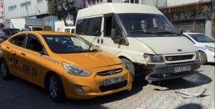 """""""Yol verme"""" kavgasında kan aktı: Taksici tartıştığı sürücüyü bacağından vurdu"""