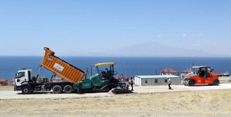 Van Büyükşehir Belediyesi'nden tatilcileri sevindiren asfalt çalışması