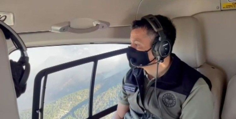 Bakan Pakdemirli, Manavgat yangın sahasını havadan helikopter ile inceledi