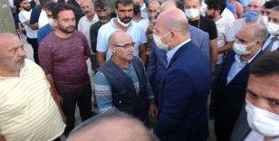 İçişleri Bakanı Soylu'dan katledilen ailenin yakınlarına taziye ziyareti
