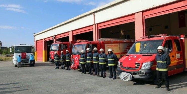 Van Büyükşehir itfaiyesi'nden Antalya'daki yangın söndürme çalışmalarına destek