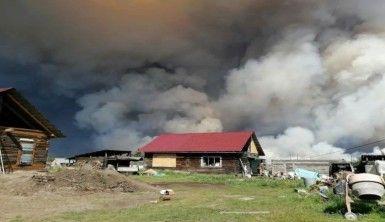 Sibirya'daki orman yangınları yerleşim alanlarına sıçradı