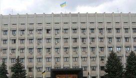 Ukrayna'da el bombası taşıdığını iddia eden bir kişi hükümet binasına girdi