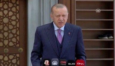 Cumhurbaşkanı Erdoğan, Türkiye'de şu anda emniyet kayıtlarımızda ve kayıt dışı 300 bin Afganistanlı göçmen söz konusudur