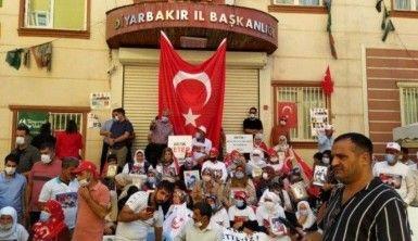 Diyarbakır HDP önündeki ailelerin nöbeti 3. yılında