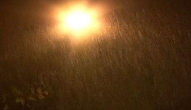 İstanbul'da gece saatlerinde yağmur etkili oldu