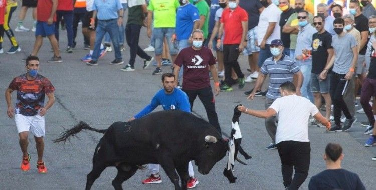 İspanya'da Covid-19 salgının başından bu yana ilk boğa koşusu yapıldı