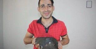 50 TL'ye aldığı kömür torbasından göktaşı çıktı: Gramını 45 dolardan satıyor