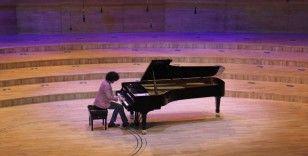 Fransız piyanist Simon Ghraichy Ankaralı sanatseverlerle buluştu