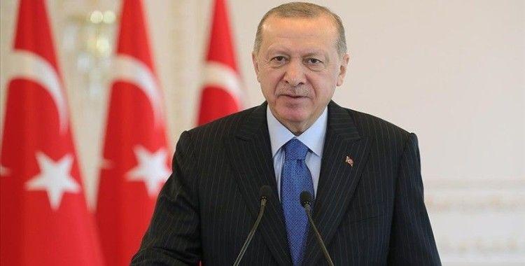 Cumhurbaşkanı Erdoğan: Orta Vadeli Program büyük ve güçlü Türkiye'nin inşası yolunda önemli bir adım