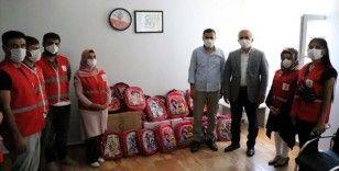 Türk Kızılay Elazığ'da 3 bin 250 öğrenciye eğitim seti desteği sunuyor
