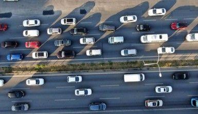 İstanbul'da trafik mesaisi başladı, yoğunluk yüzde 65'i gördü